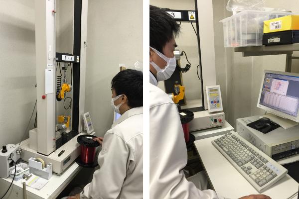 Sunline-Mitarbeiter beim Qualitätsmanagement einer Produktionscharge