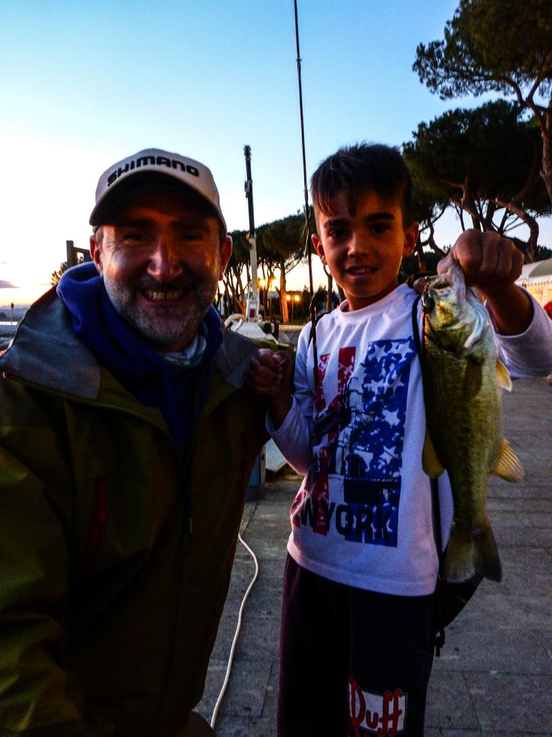 Amici: Giovanni e Kevin in porto di Bolsena.