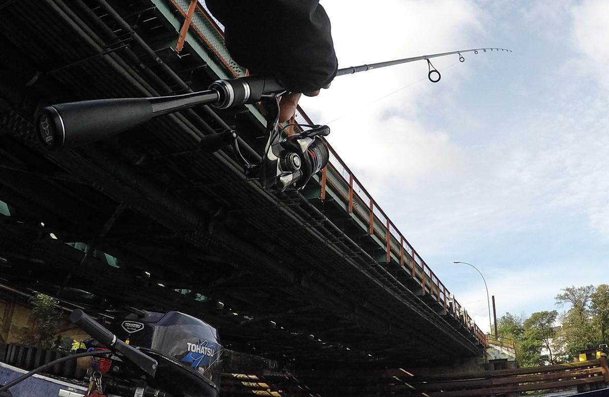 Shimano Kairiki auf einer Shimano Stradic an der Shimano Adrena