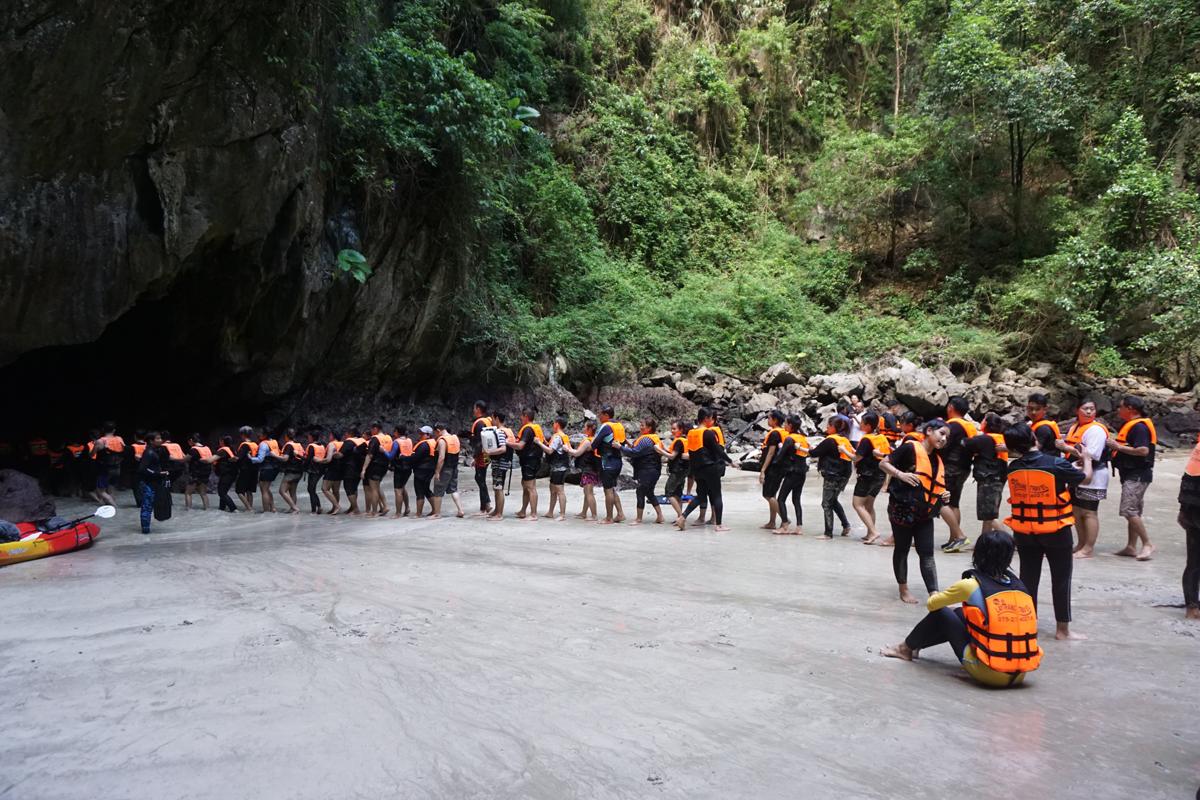 Reisebüro Asian Adventures empfiehlt: Safety first!