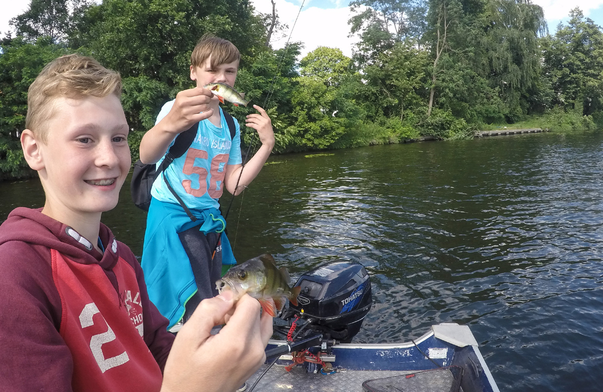 Barsch-Angler der nächsten Generation.